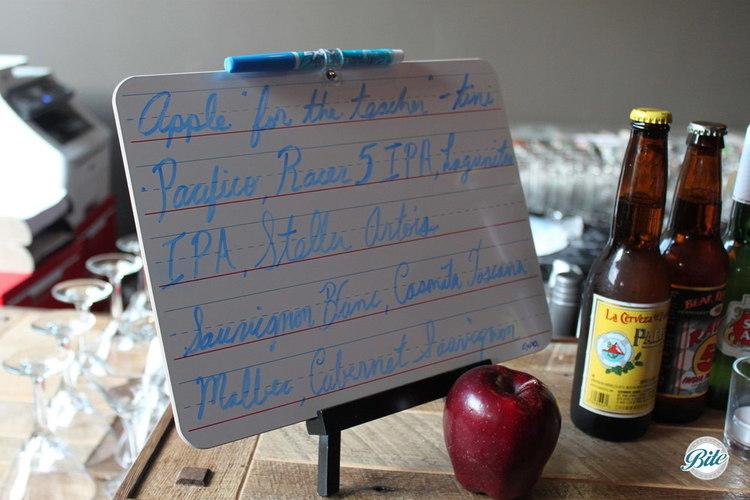 Lined paper custom menu for bar display