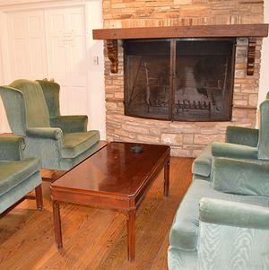 Upper Las Virgenes Living Room Chairs