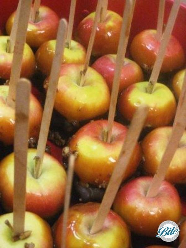 Seasonal caramel apples