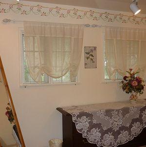 Upper Las Virgenes Bridal Room 2