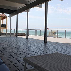 Large Oceanfront Deck @ Malibu West Beach Club