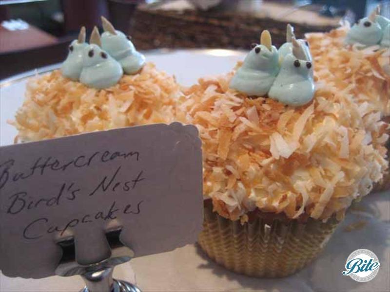 Buttercream bird's nest cupcakes