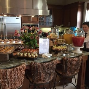 Breakfast Display with Server