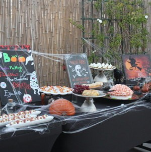 Halloween Display with Eyeballs and Brains
