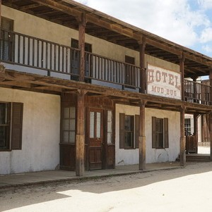 Hotel Mud Bug @ Paramount Ranch