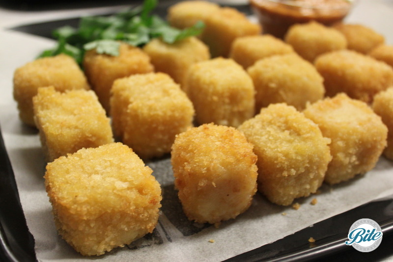 Crispy mac n cheese bites with dipping sauce