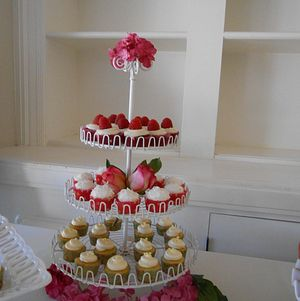 Cupcake Display @ Orcutt Ranch Wedding
