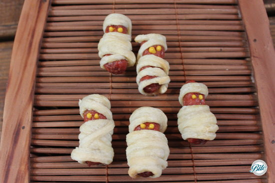 Mini Mummy Dogs #Halloween