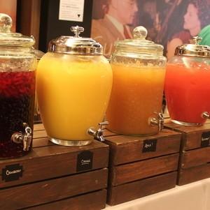 Rustic Juice Station Display