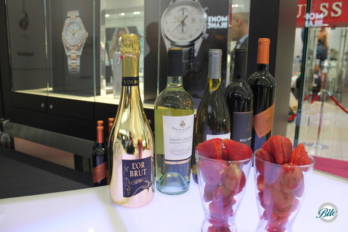 Strawberry and Champagne on Bar @ Bhindi Grand Opening