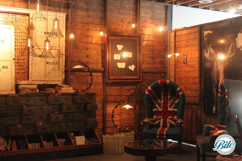 Voila Gallery British Flag Chair Lounge