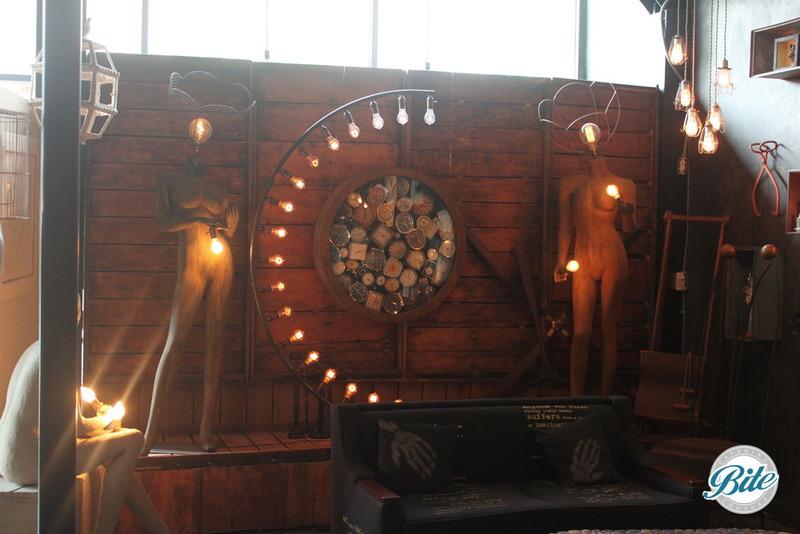 Voila Gallery Wooden Backdrop