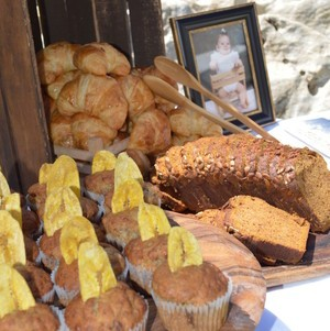 Brunch Bread & Pastry Bar Muffins