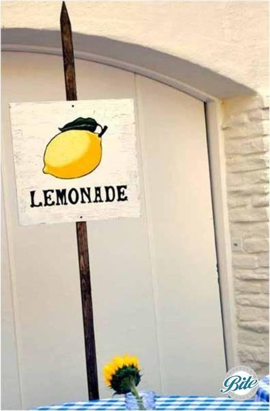Rustic lemonade sign